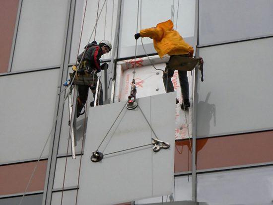 Проведение ремонтных работ на фасадах зданий: куда нужно обратиться